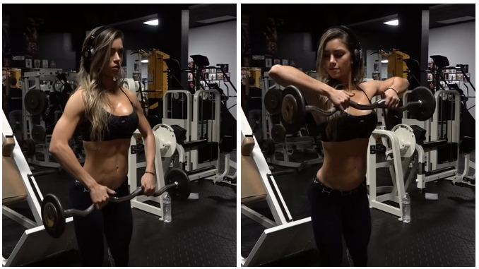 Anllela Sagra Allenamento Workout Upright Ez Bar Row