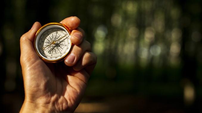 Direzioni, obiettivi e valori per le persone di successo (come riprogettare il nostro io futuro)