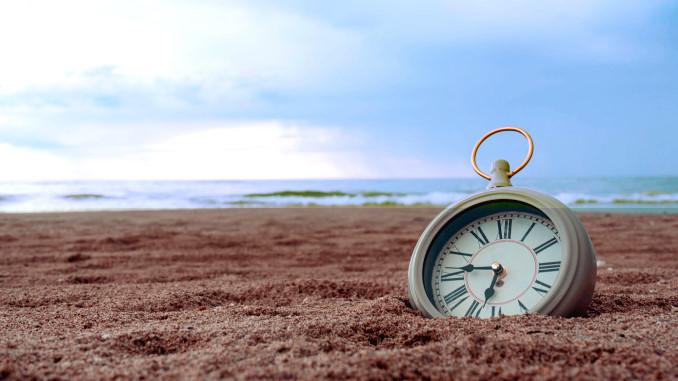 Il tempo (orologio nella sabbia)
